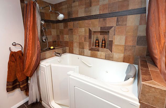 Featured Bathroom | Universal Design Walk-In Tub