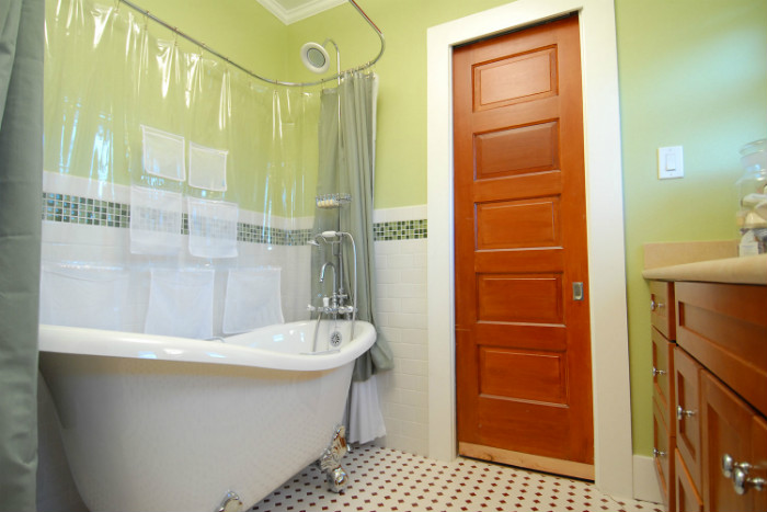 free-standing-tub-example-traditional-bathroom-job-4