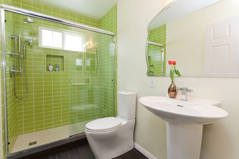 transitional-bathroom-green-pedestal-sink