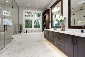 darkwood-luxury-bathroom