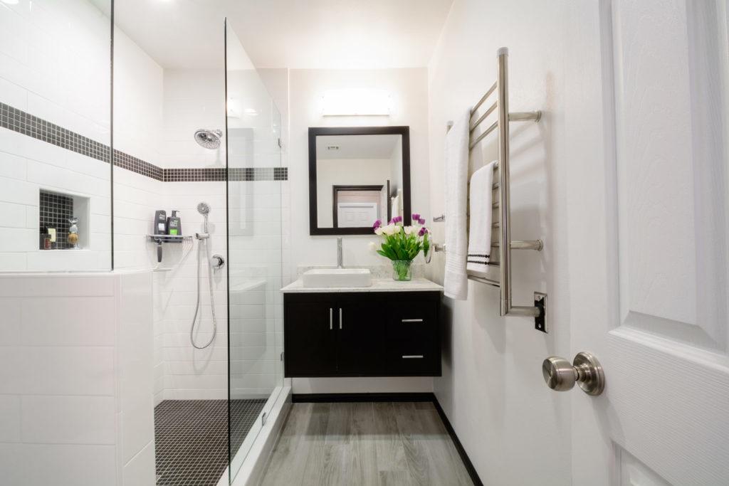 1-modern-bathroom-design-full