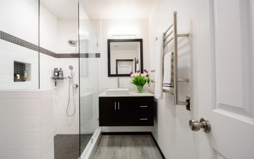 Pros & Cons of Doorless Showers